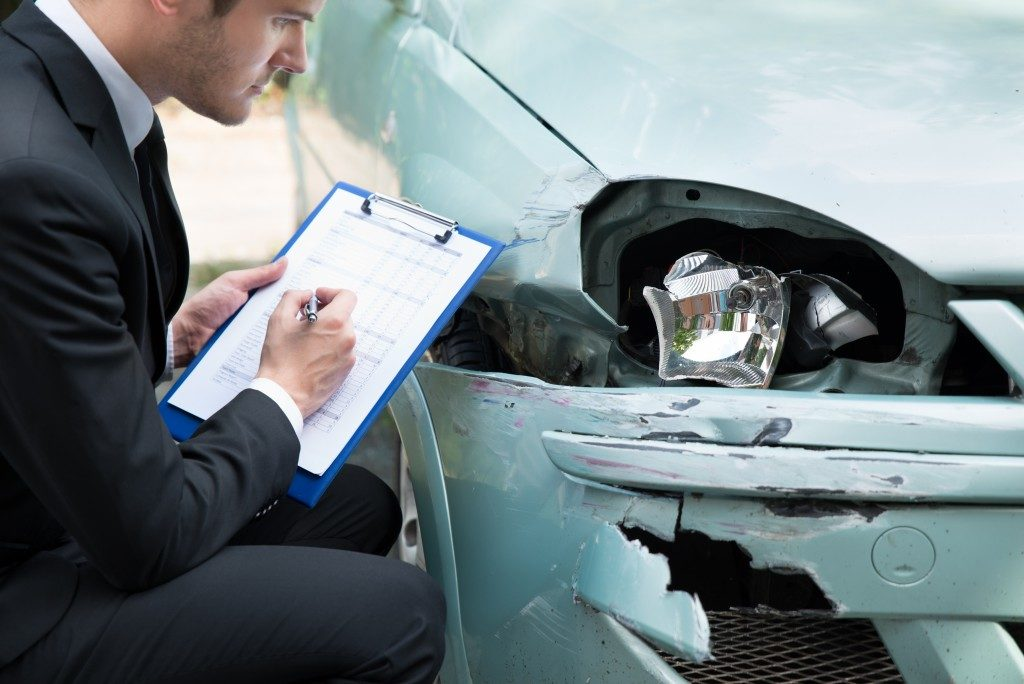 What Kinds Of Compensation Can I Ask For In My Auto Accident Claim?