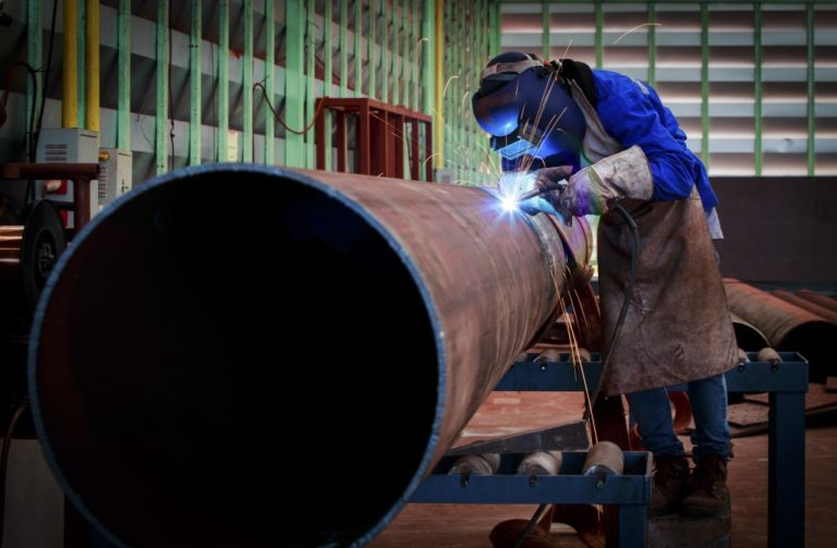 welding big pipe