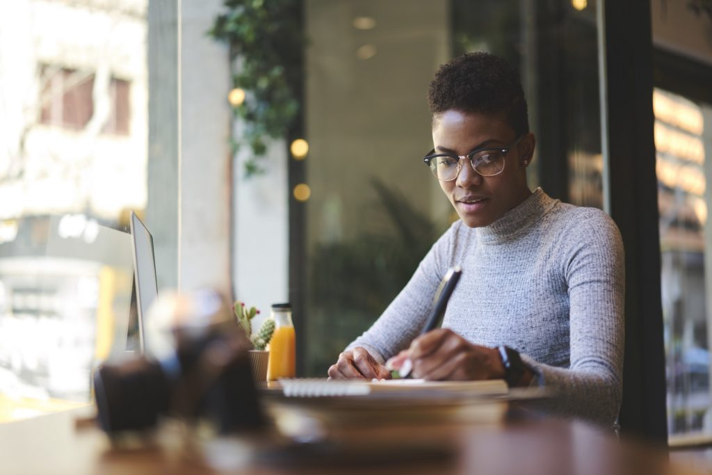 woman working offsite with her preferred time